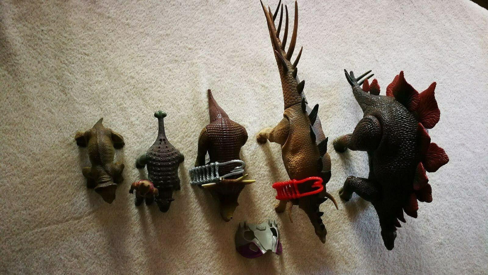 Lot de  5 Dino riders  plus abordable