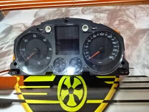 Picture-of-Instruments-VW-Passat-3C0920852S-3CO920852S