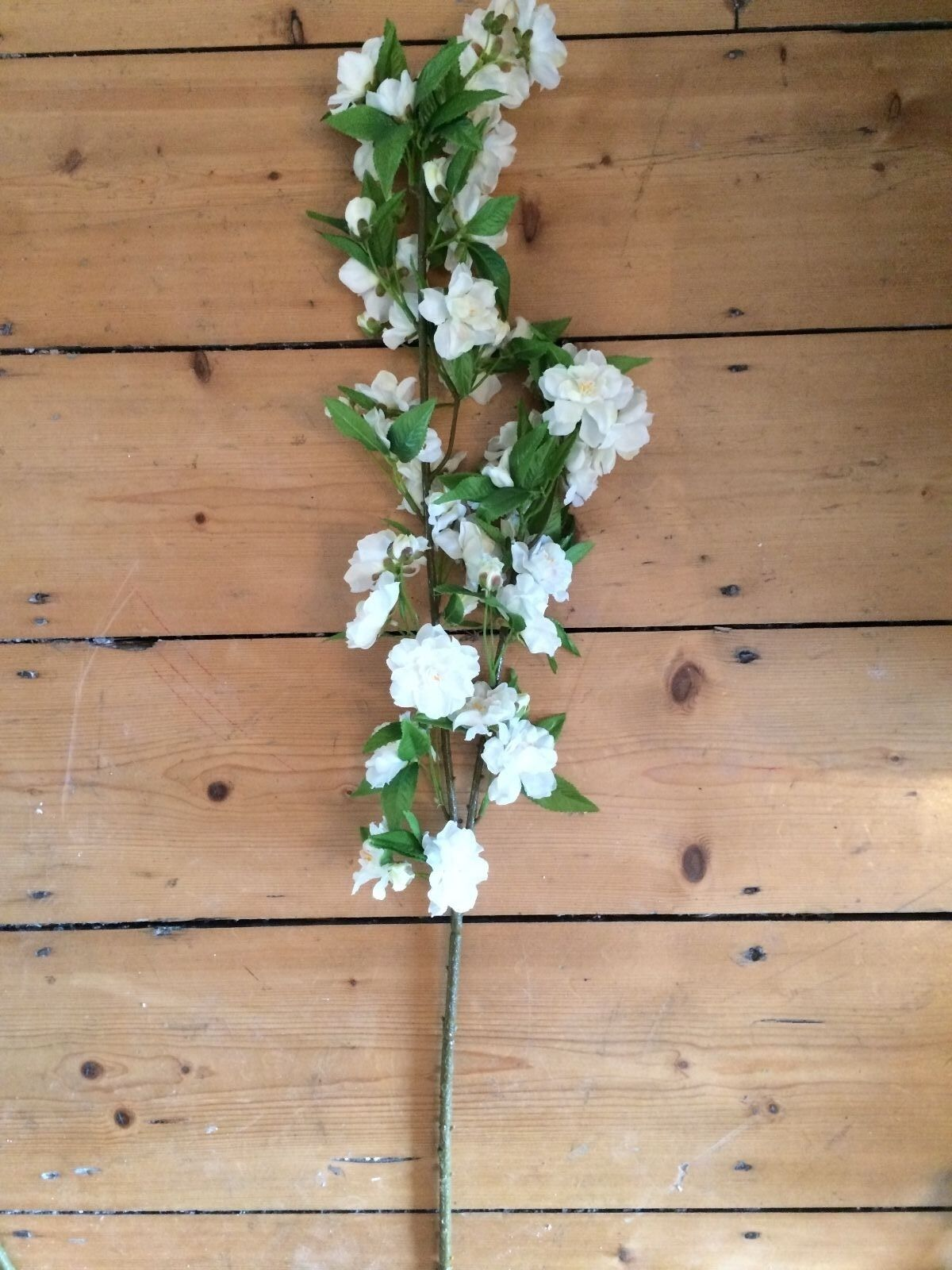 Pretty white artificial apple blossom branch realistic faux silk pretty white artificial apple blossom branch realistic faux silk ivory flowers ebay izmirmasajfo