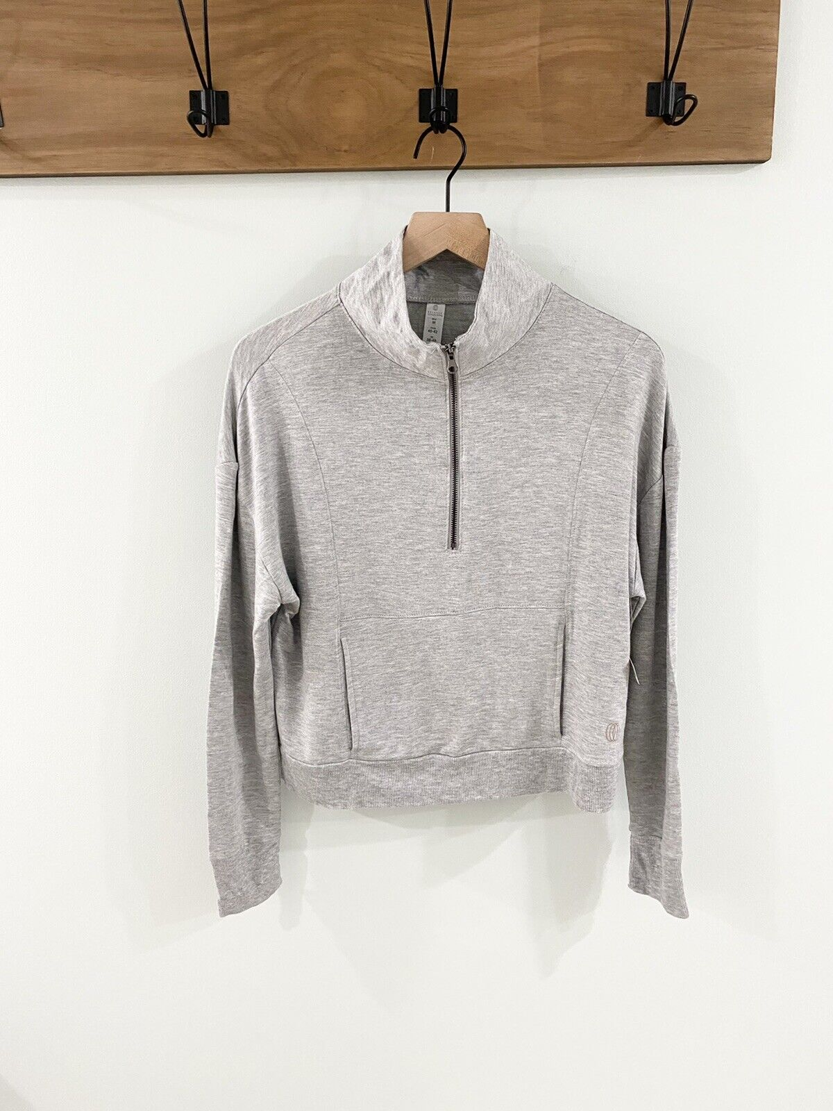 NWT Balance Collection Long Sleeve Cropped Pullover Size Medium