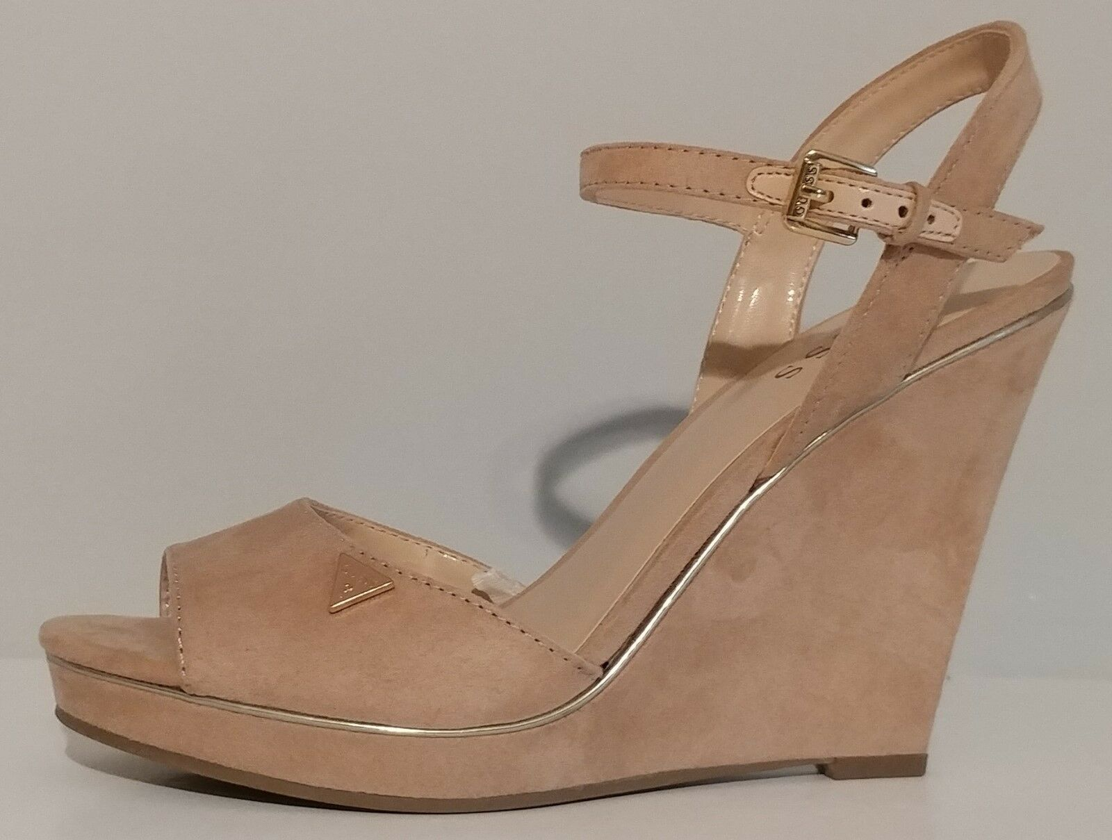 NEW   Guess Beige Beige Beige Suede Wedge Sandales 4