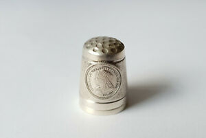 VINTAGE-STERLING-SILVER-THIMBLE-WITH-PORTRAIT-OF-QUEEN-VICTORIA