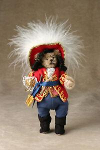 World-of-Miniature-Bears-4-034-Mohair-Bear-Captain-Hook-1184-Collectible-Bear