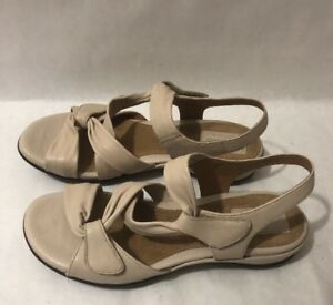 Details about NEW CLARKS ARTISAN Tige De Cuir Beige Wedge Sandal Shoes Women's 8N