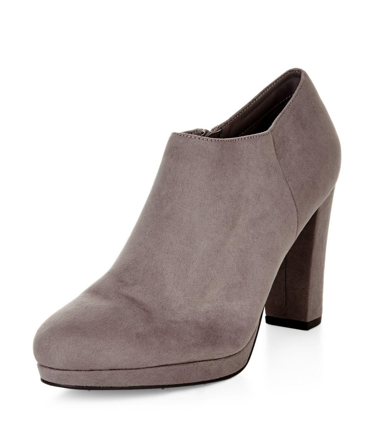New Heels Look Grau Suedette Block Heels New Schuhe Stiefel Größe 5 Brand New Must Have 9f6901