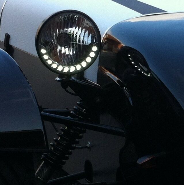 "7"" Round LED DRL Style Kit Car Headlight Leadlamp Halogen"