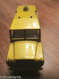 Automobilina-car-toy-matchbox-series-n-12-lesney-land-rover-safari-superfast