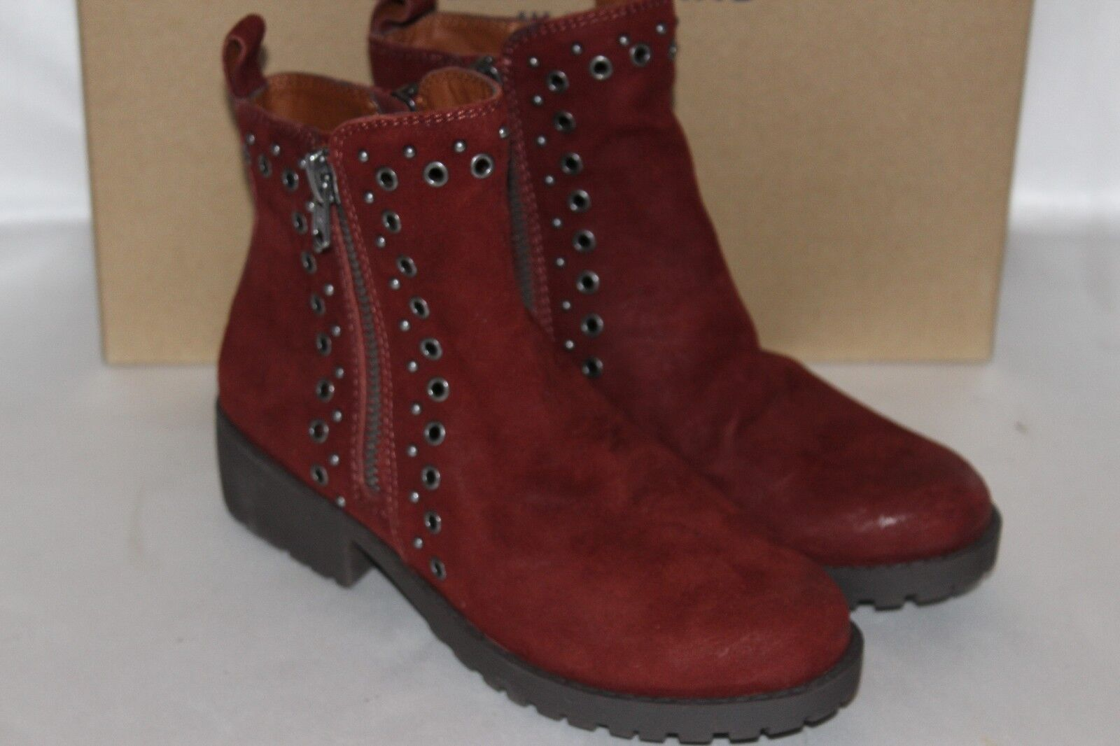Nueva En Caja Cuero Gamuza Lucky Brand Borgoña Hannie Ojal Cremallera Tobillo botas