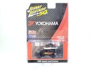 Johnny-Lightning-Toyota-Land-Cruiser-1980-Yokohama-Geolandar-JLCP7218-1-64-NOC
