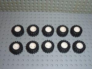 10x LEGO Tyre Wide ref 6015 White & wheel Wide ref 6014 Set 6464/6330/6348/6477. - France - État : Occasion: Objet ayant été utilisé. Consulter la description du vendeur pour avoir plus de détails sur les éventuelles imperfections. ... - France