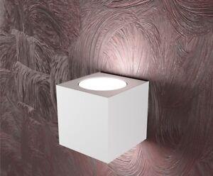 Applique moderno led cubo in metallo bianco doppia emissione top