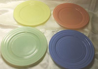 "4 Pc.   Vtg Hazel Atlas Moderntone Platonite Pastel   Dinner  Plates 8 7/8"""