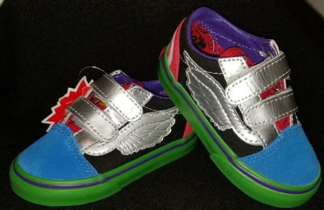 Vans Off The Wall Toddler X Marvel Avengers Old Skool V Shoes Captian  America aba7b3a73