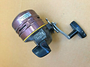 FT2-Beautiful-Vintage-Ted-Williams-225-Spin-Cast-Reel-Sears-Roebuck-spincaster