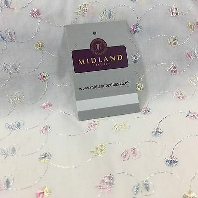 """White Broderie Anglaise Polycotton Dress Fabric 3 Hole 58/"""" M690"""
