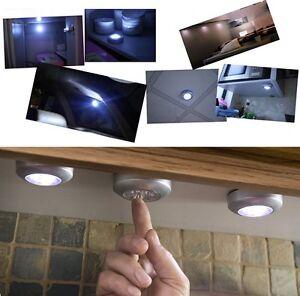 LAMPE-ADHESIVE-A-PILES-SANS-FIL-A-LED-AUTOCOLLANTE-SPOT-PLACARD-ARMOIRE-ETAGERE