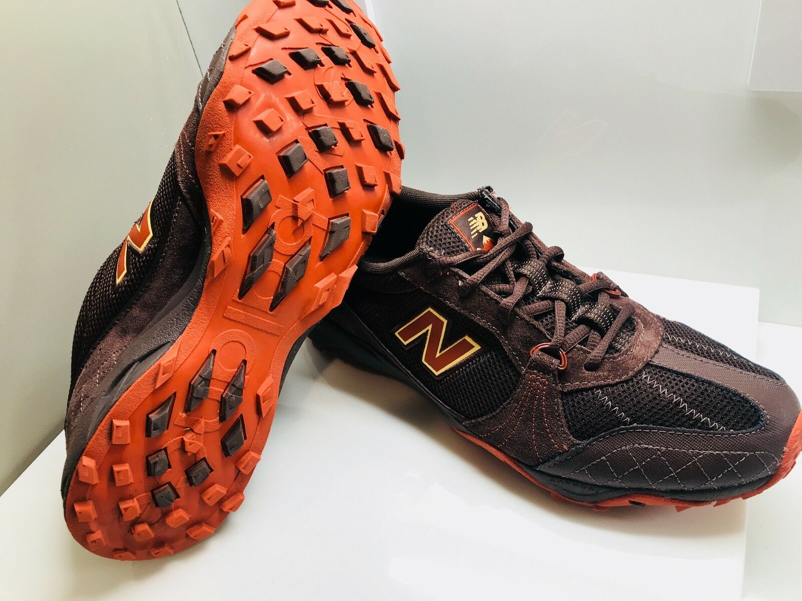 New Balance Athletic Running shoes Extra Grip Slip Resistant OuterSole Size 10.5