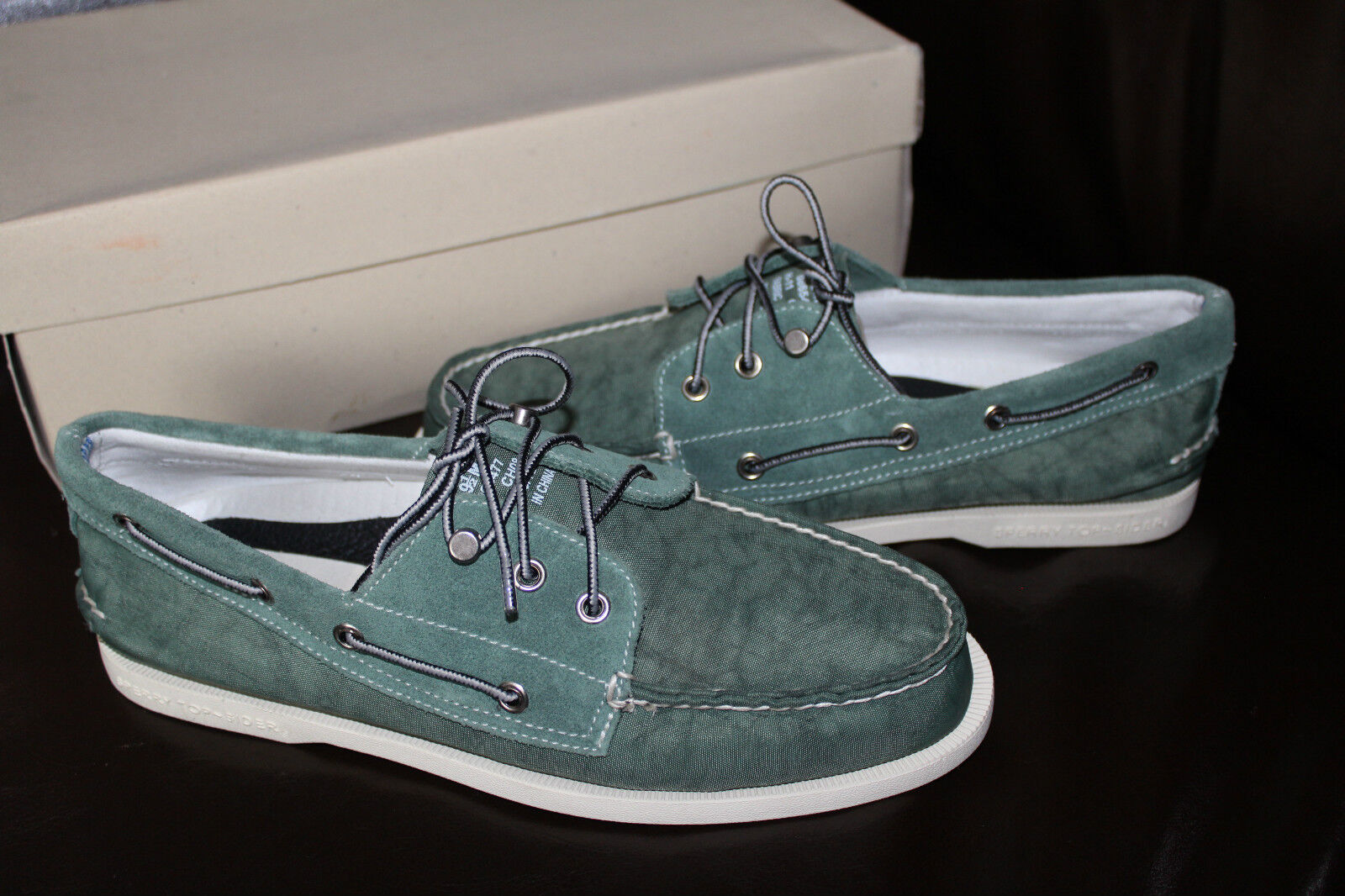 SPERRY A/O 3 EYE GREEN NYLON/SUEDE  us 199