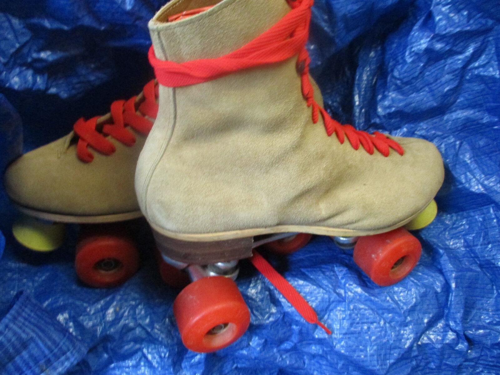 Men Riedell Suede size 9 , Women sz 10 Heel to toe 10 1 2 in. Krypto Red Wheels