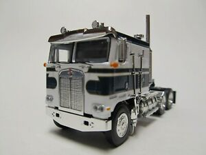 RED /& WHITE RED FRAME DCP 1//64 SCALE KENWORTH K-100 STUDIO DUAL STACKS