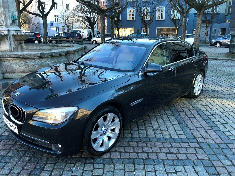 BMW 750i 4,4 xDrive Steptr. 4d