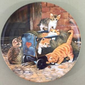 Die-Spielkameraden-The-Playmates-decorative-plate-Wolfgang-Kaiser-kittens-cats
