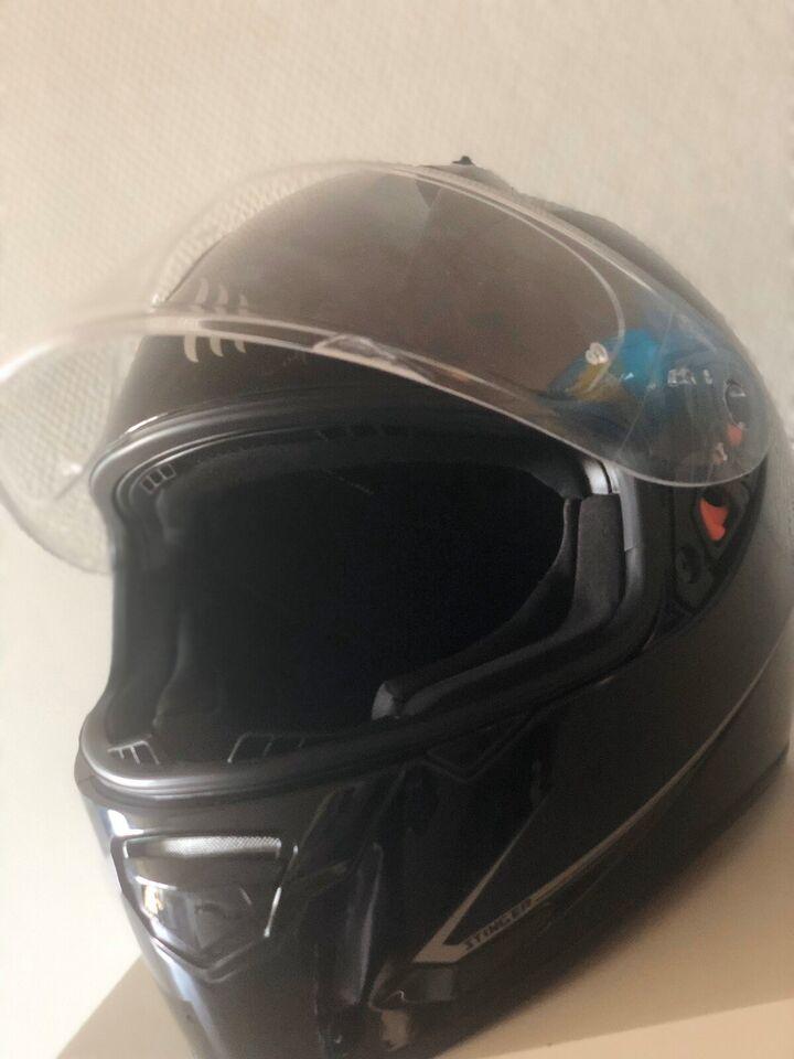 Scooter hjelm