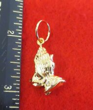 14KT GOLD EP STAMPED PRAYING HANDS  RELIGIOUS CHARM PENDANT-A38