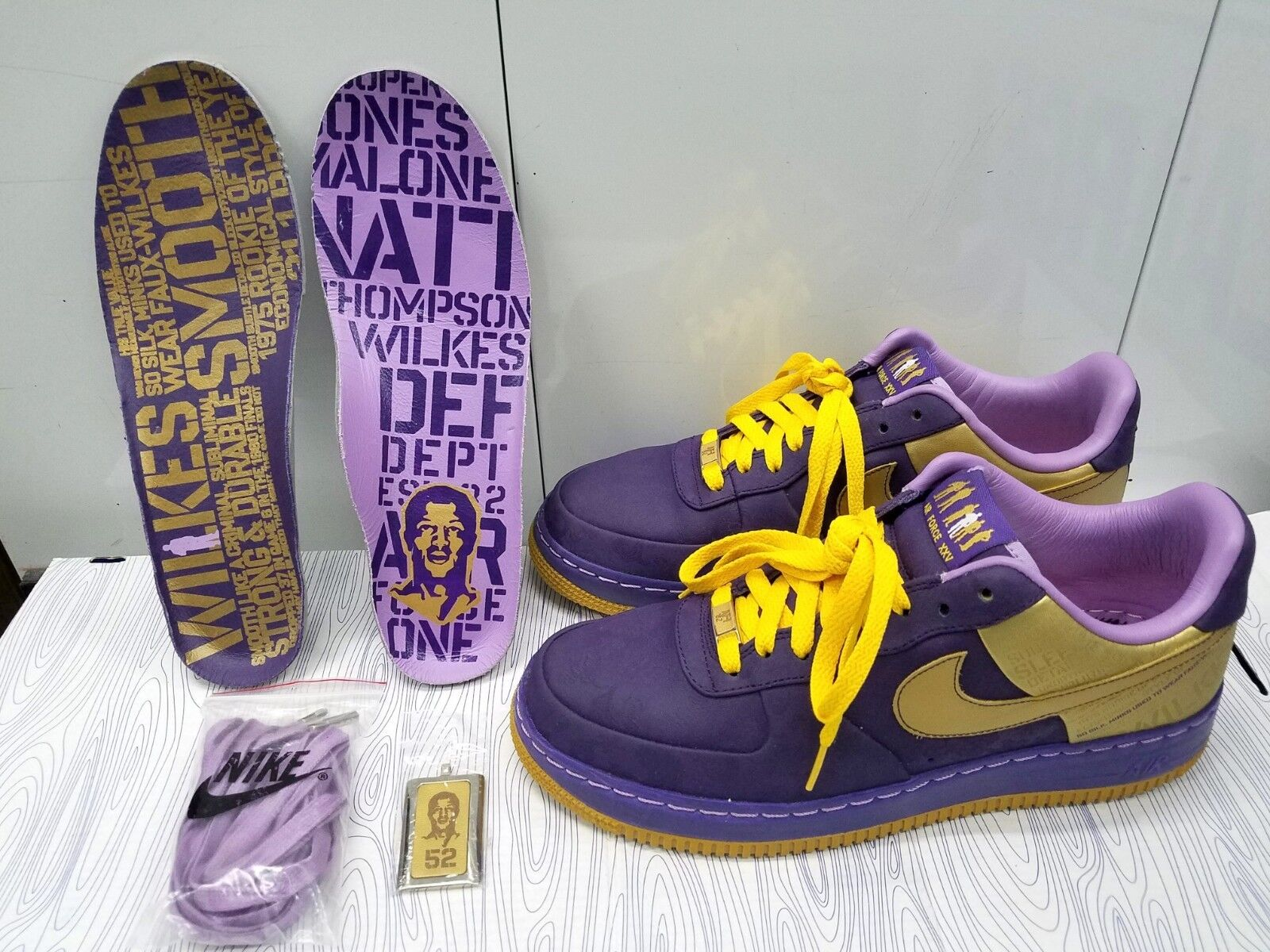 NIKE AIR FORCE ONE LOW PREMIUM L.A. LAKERS MENS SZ 8.5 315088-571 2008 VERY RARE