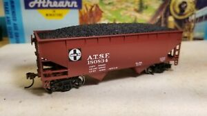 Athearn-HO-Santa-Fe-34-039-open-hopper-car-metal-wheels-rtr-with-coal-load-nos