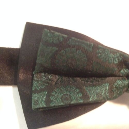 """Emerald Westminster 88858 BOY/""""S USED Bow Tie"""