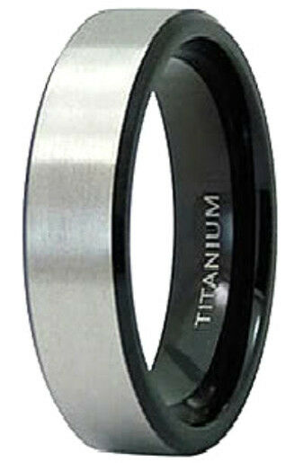 Titanium Men's Plain Ring Band with Black Plated Edges, size 14 - in Gift Box