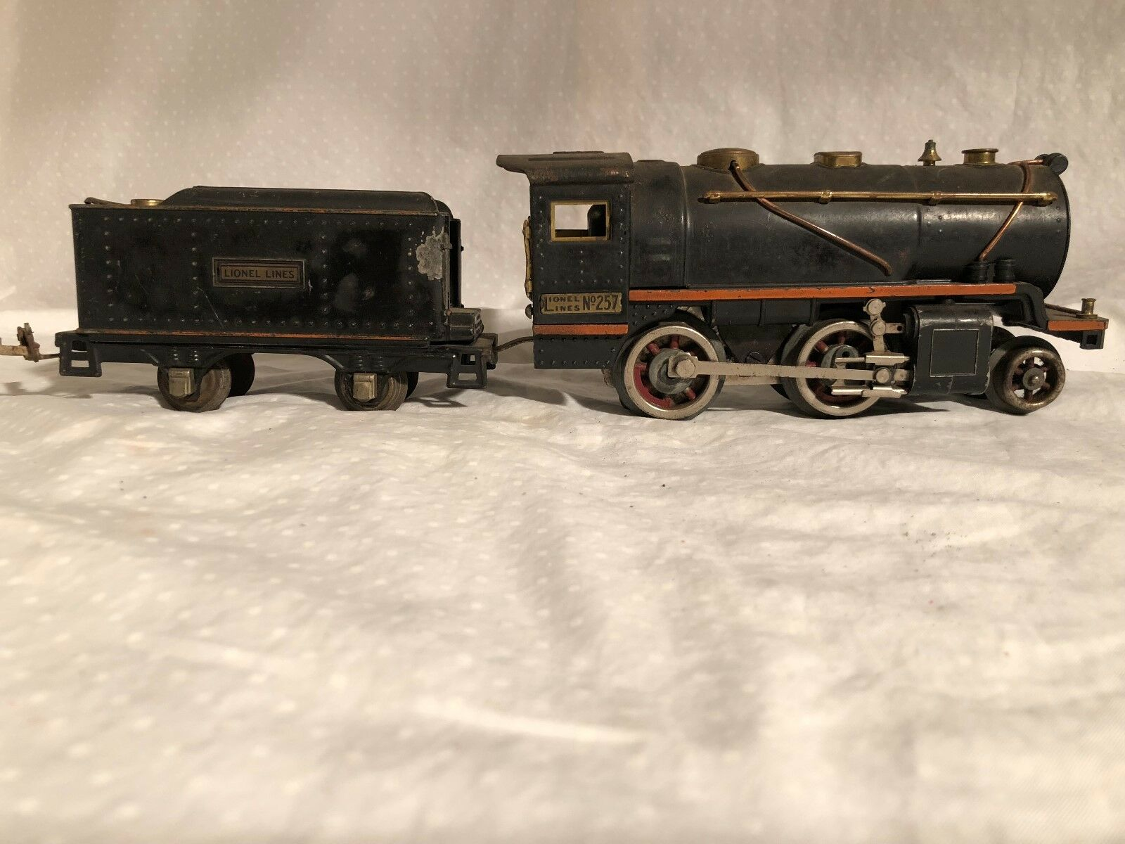 Lionel 257 Engine and Tender 1930s