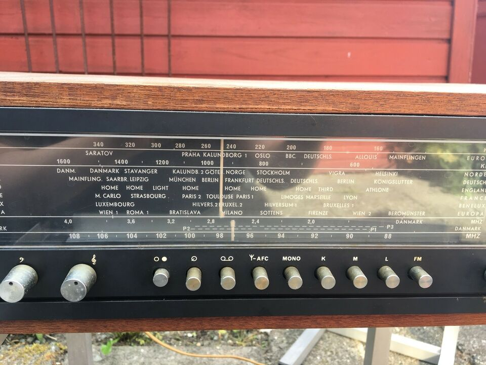 AM/FM radio, Bang & Olufsen, Beomaster 900
