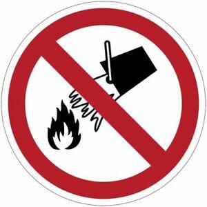 """Cartelli di divieto ISO 7010 """"Non spegnere con l'acqua"""" - P011"""