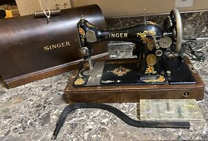 Singer-128-Sewing-Machine-Antique-1925-Bentwood-Case-Kneebar-Key-Tested-Used