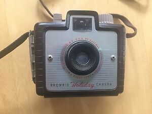 Eastman Kodak Brownie Holiday Vintage Camera Kodet Lens Rochester