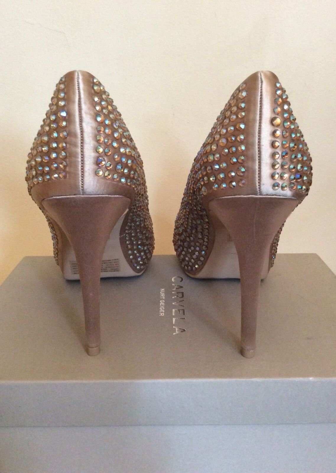 NEW IN BOX CARVELA FOR KURT GEIGER NUDE NUDE NUDE SATIN JEWELLED HEELS SIZE 6 39 COST c8c2b6