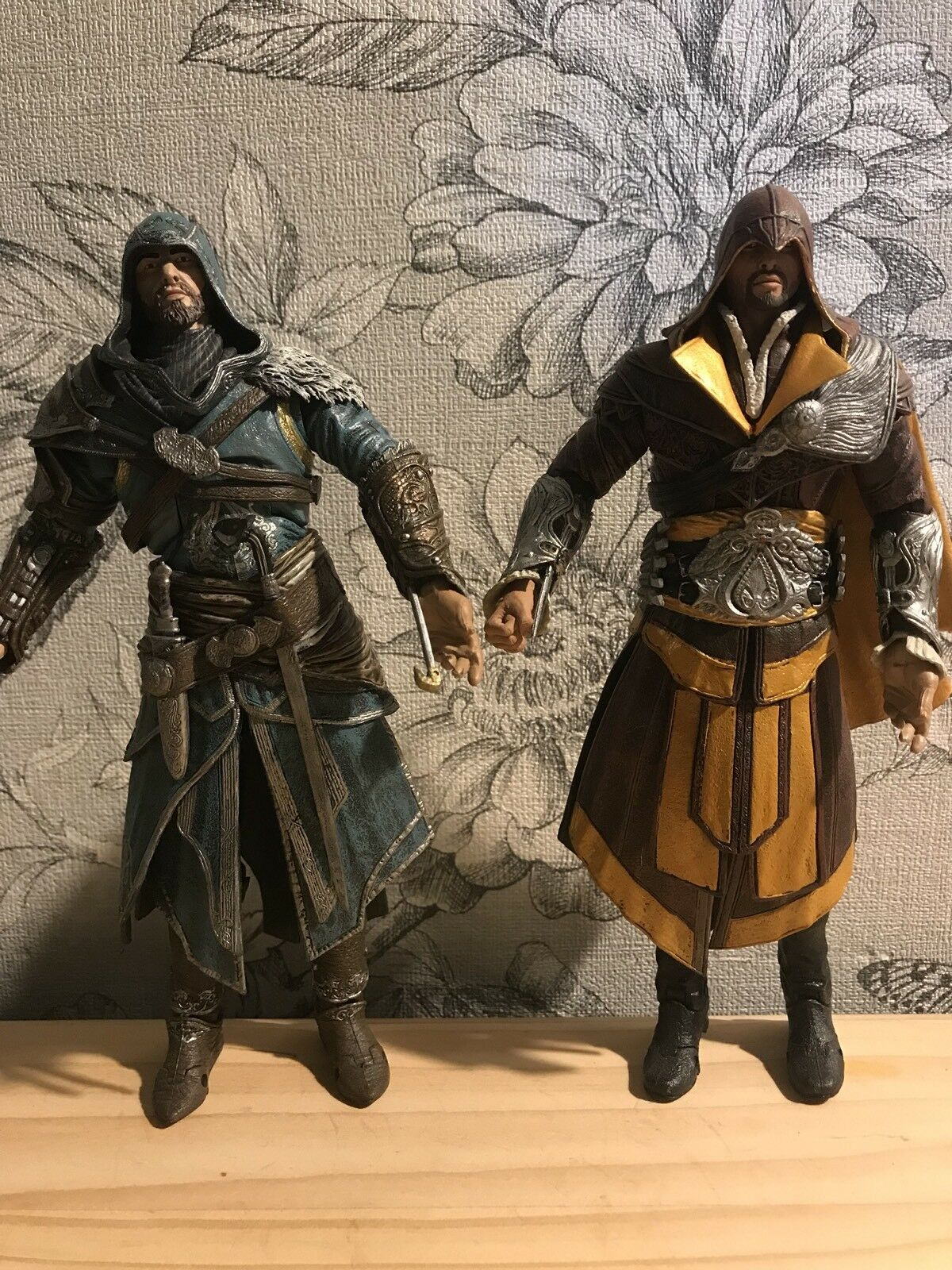 NECA Assassins Creed Revelations Auditore Action Figure Rare Toys R Us Exclusive