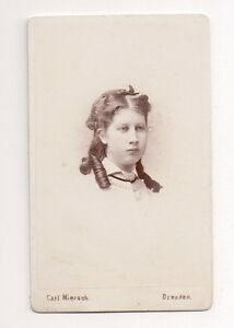 Vintage-CDV-Unknown-Young-Girl-Photo-by-Carl-Miersch-Dresden