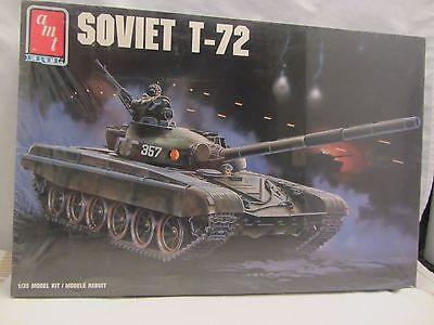 715H ERTL  Soviet T-72 Tank Model Kit  NIB Sealed 1:35 Scale 8671 AMT