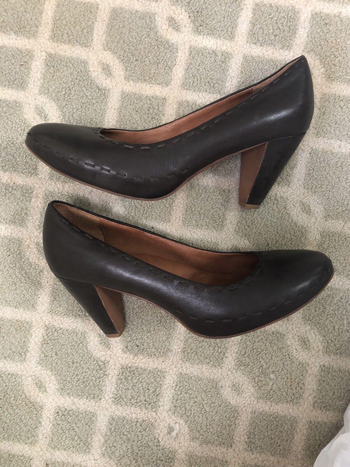 "Gentle Souls Classic Heels Size 9.5 Mushroom Brown Weave,  MSRP  195 4"""