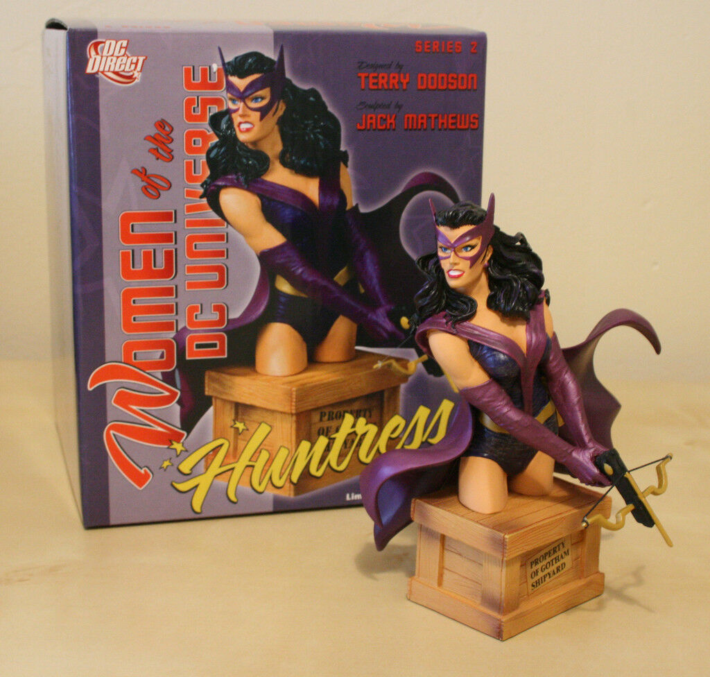 DC Direct - damen of DC Universe - The Huntress Minibust statue