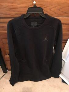 348326f86a612f Nike Men s Air Jordan Fleece Long Sleeve Shirt Size Large NEW 809478 ...