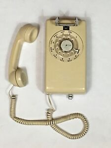 Vintage WESTERN ELECTRIC Beige AT&T Wall Mounted Rotary Telephone 554BMP R84-12