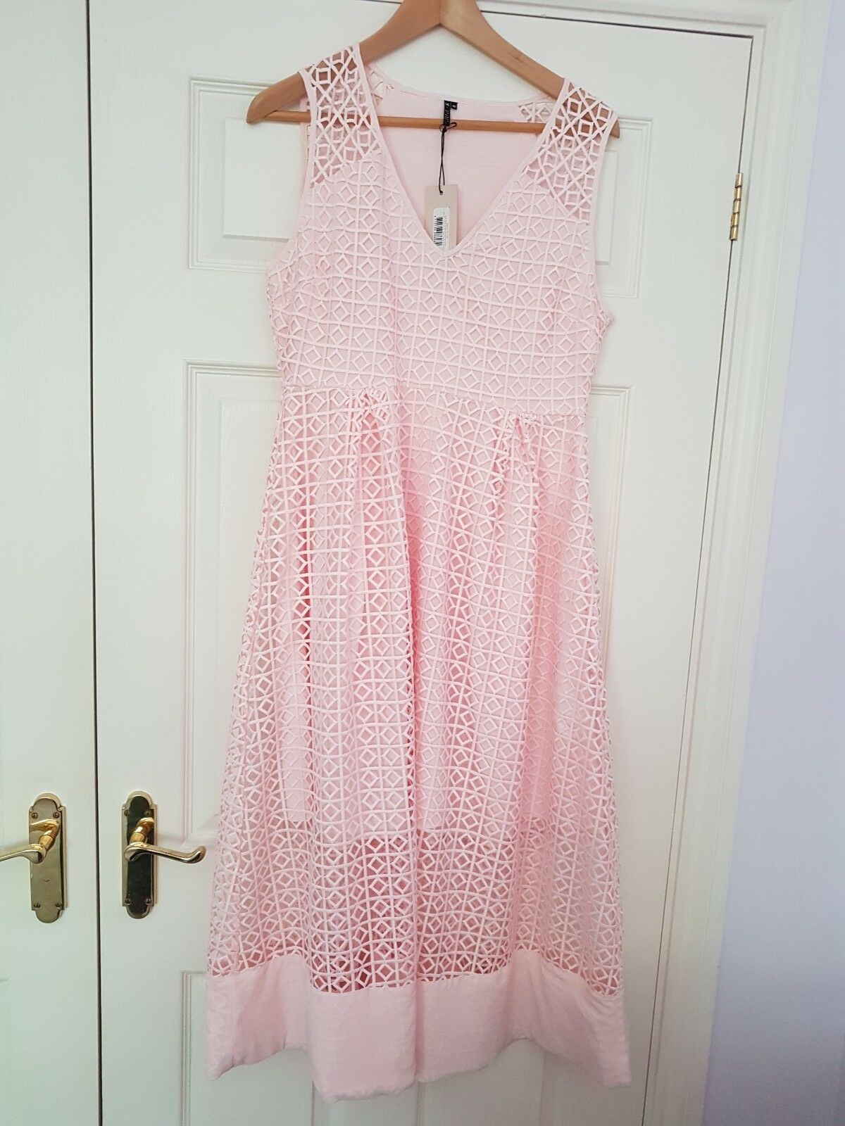 BRAND NEW WITH TAGS STSTUDIO Pink midi dress Size 40