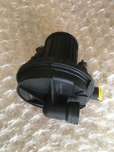 Sekundaerluftpumpe-Audi-A3-A4-A6-A8-Q7-TT-Seat-VW-Caddy-Golf-Sharan-Passat-Touran
