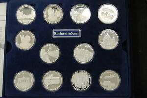 24-Silbermedaillen-750-Years-Berlin-1987-Germany-Pf-in-Box