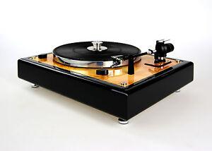 Restaurierter-Thorens-TD-146-Plattenspieler-Turntable-in-Bernstein-Optik