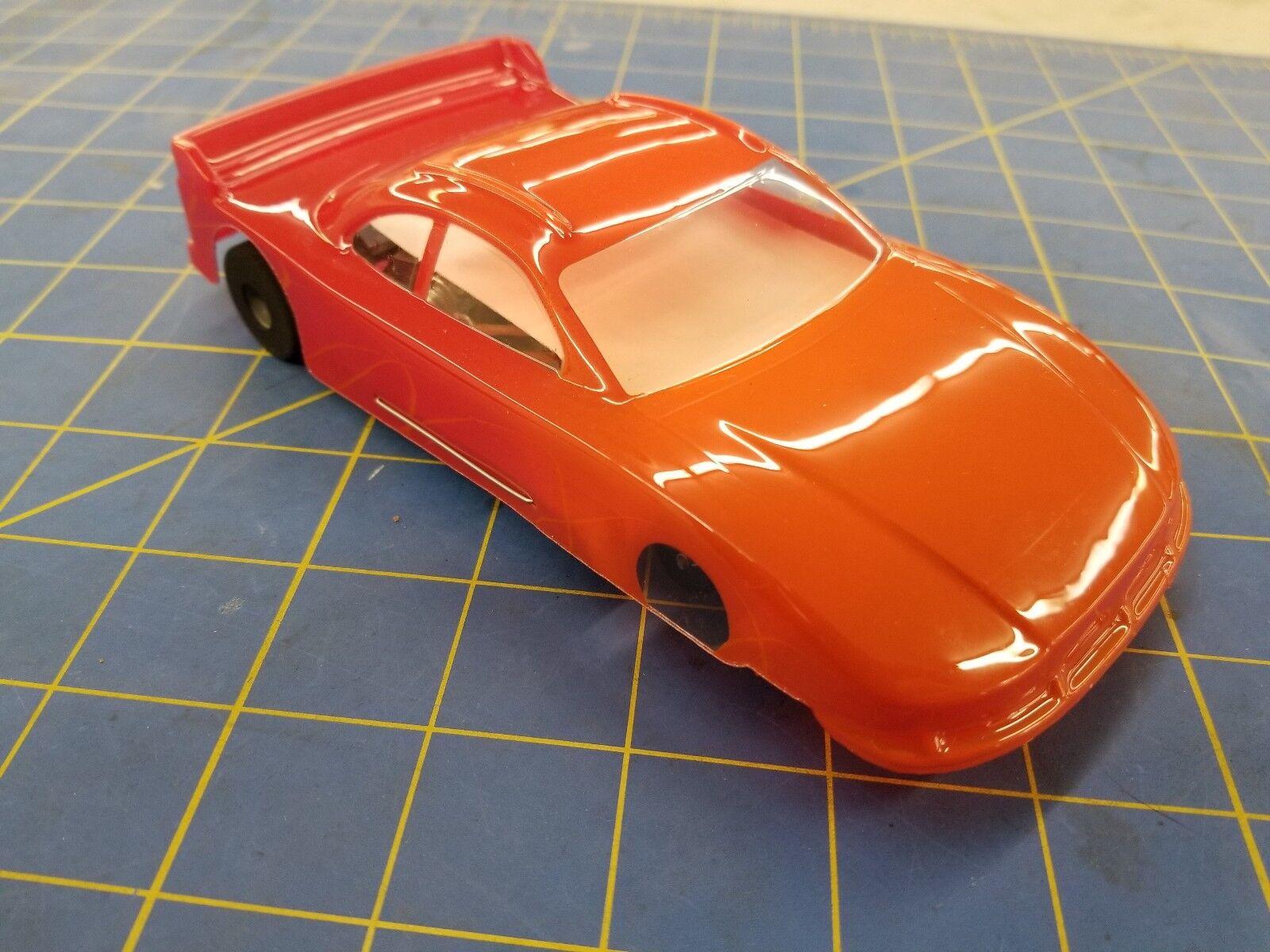 Orange NASCAR COT Champion Astro Flex avec E.T. moteur 1 24 Slot Car Mid America
